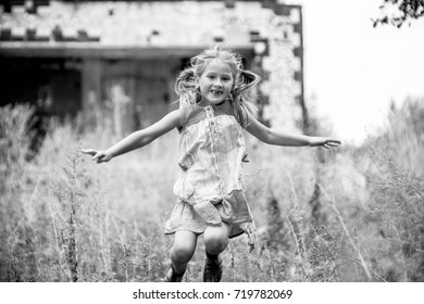 Black and white portrait of a little girl
