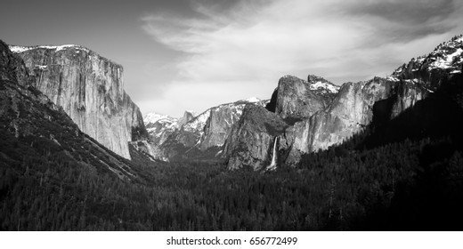 Black & white tunnel view in Yosemite National Park