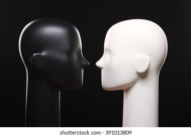 Black and white unisex mannequin heads