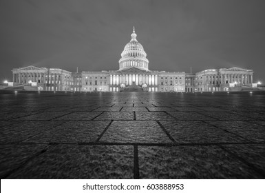 Black and White US Capitol Building