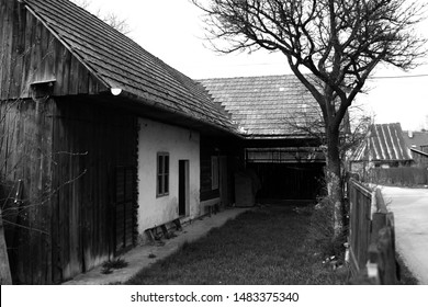 black and white wood vintage rural building architecture oldhouse