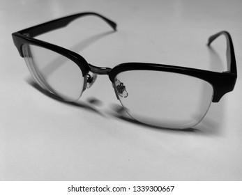 Blackband white glasses