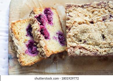 Gâteau au pain de mûre et de pommes à la cannelle
