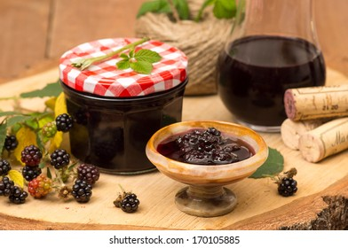 Blackberry confiture with red wine