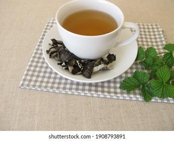 Blackberry leaf tea, black tea from fermented blackberry leaves