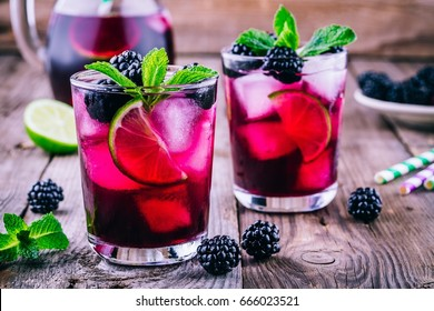 Blackberry lemonade  cold  with lime,  mint and ice