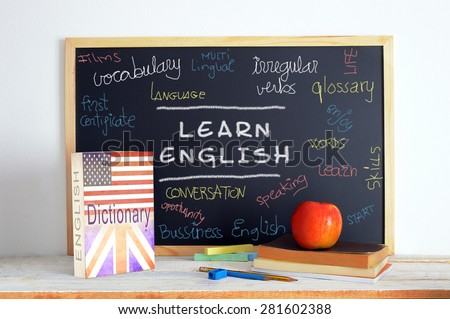 blackboard english class some books school の写真素材 今すぐ編集