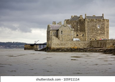 Blackness Castle is a boat shaped fortress which sticks out into the firth of forth near Bo'ness in the Falkirk region of Scotland, UK.