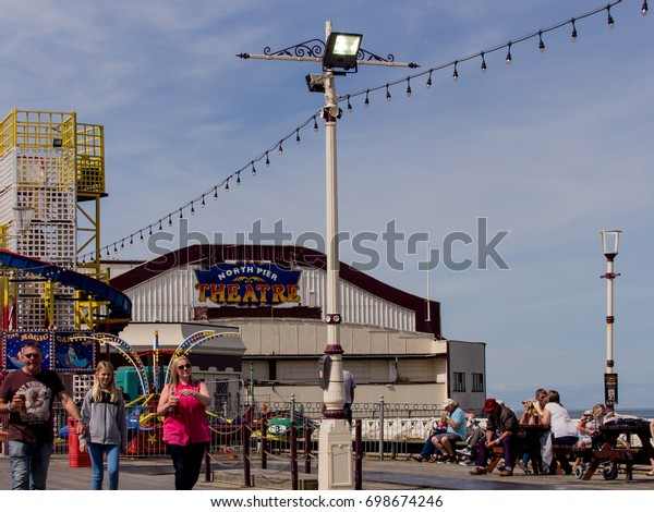 Blackpool, Lancashire. August 13th 2017. Visitors to the Blackpool airshow on North Pier, Blackpool, Lancashire, UK