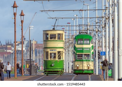 Blackpool,Lancashire/England - 28.09.2019 - Oxford tram model 147 & ballon double tram model 717 livery cream and green passing each other