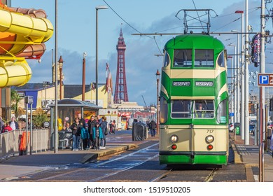 Blackpool,Lancashire/England - 28.09.2019 - Tram model 717 ballon double cream & green livery in service