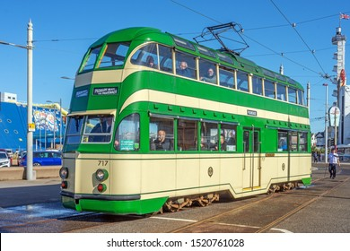 Blackpool,Lancashire/England - 28.09.2019 - Tram model 717 balloon double deck livery cream & green at crossover point at pleasure beach loop
