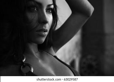 Black-white portrait of young romantic beauty.