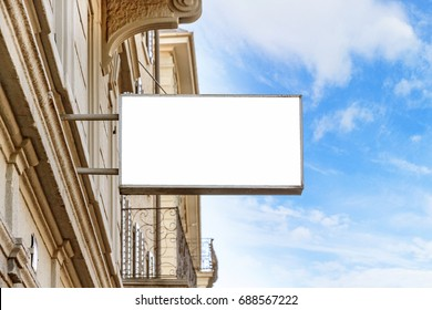 blank signboard on the street (photo)