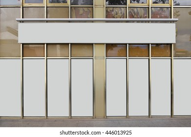Blank store front with empty showcase