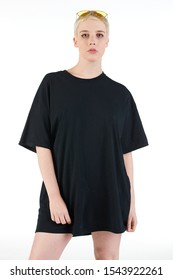 Blank t-shirt mock-up - Cool streetwear fashion girl ready for your design