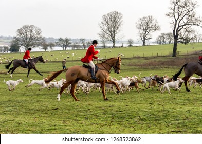 Blithfield Hall, Staffordshire, England. 26th December 2018. The traditional Boxing Day hunt meet at Blithfield Hall in rural Staffordshire sees the Meynell & South Staffs Hunt set off for the day