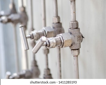 Block valve or manifold valve of pressure transmitter for apply in industrial zone at power plant.