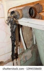 Blockage of old drainage pipe, plumbing repair