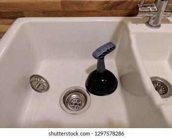 Znalezione obrazy dla zapytania blocked outflow bath