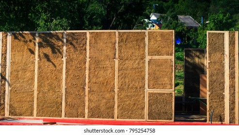 Blocks of straw to build houses Concept: The energy-efficient