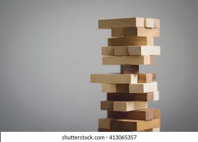 Blockiert das Holzspiel mit Kopienraum.