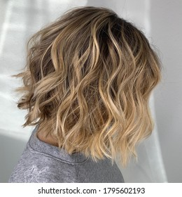 Blonde and creamy balayage highlights