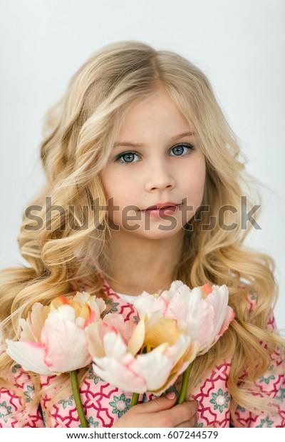 Blonde Girl Long Shiny Wavy Hair Stock Photo Edit Now 607244579