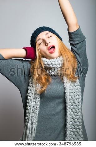 Blonde Yawns