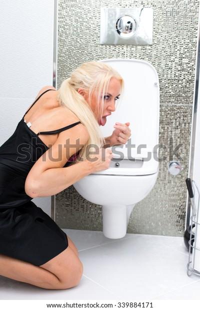 Blonde On Toilet
