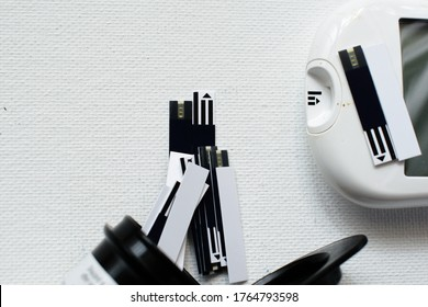 Blood glucose strips (diabetes test strip) with storage container and devise