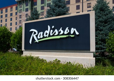 BLOOMINGTON, MN/USA - August 12, 2015: Radisson hotel and sign. Radisson Hotels is an international hotel company with more than 990 locations in 73 countries.
