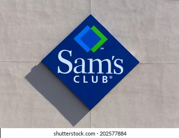 BLOOMINGTON, MN/USA - JUNE 21, 2014: Sam's Club exterior sign. Sam's Club is an American chain of membership-only retail warehouse clubs owned and operated by Walmart.