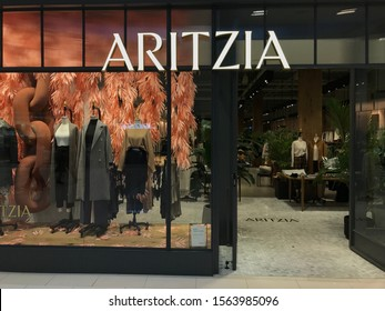 Bloomington, MN/USA.  November 17, 2019. The entrance to an Aritzia clothing store in the Mall of America.