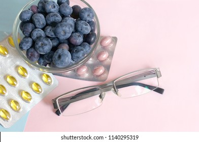 Bluberry extract for good vision. Tablets and capsules for healthy eyes.