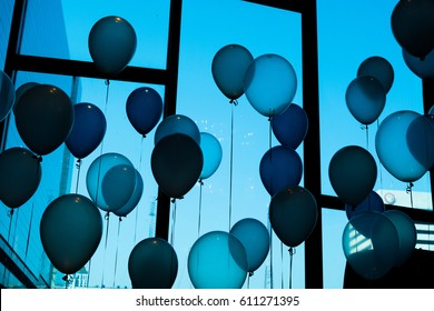 blue  balloon  in   party