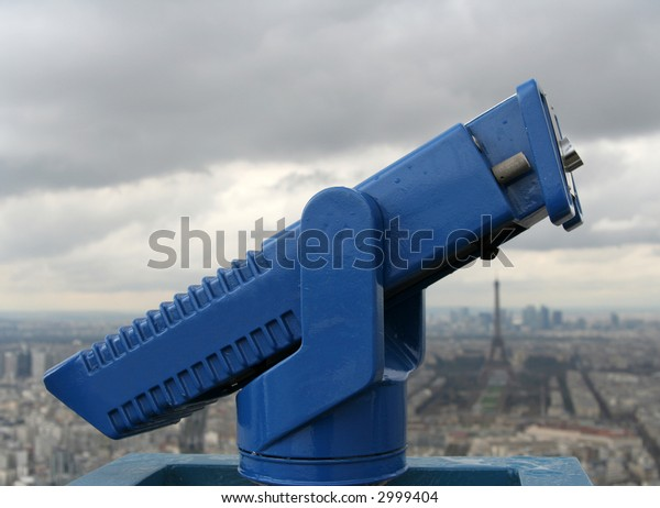 blue binoculars to view paris skyline from montparnasse tower