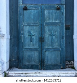 Blue church door found in Venice