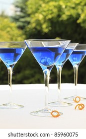 Blue coctails on the reception table