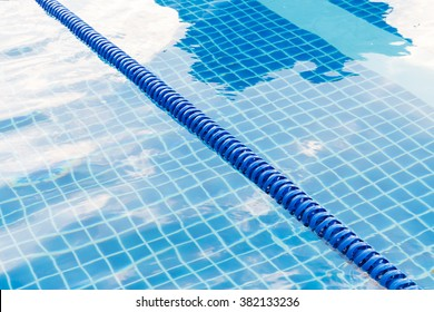 Swimming Pool Lane Ropes Images, Stock Photos & Vectors ...