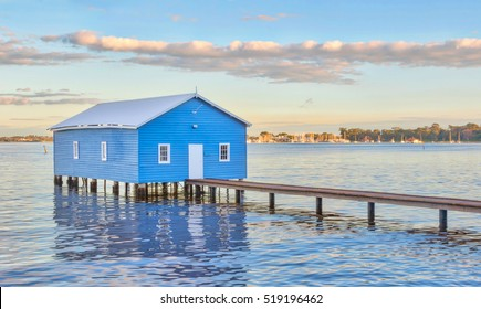 The blue Crawley Edge Boatshed is a well-recognized and frequently photographed site in Perth. It is thought to have been constructed in the early 1930s and has since been refurbished.