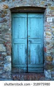 blue door, color effect