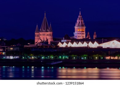 blue hour cityscape of Mainz city with the St. Martin´s Dom, the landmark of Mainz