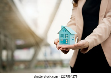 Blue house is on hand. Home buying Renovation of home to find loan with good interest. In order to be able to repay the debt without a problem in financial institutions. Location is important to buy.