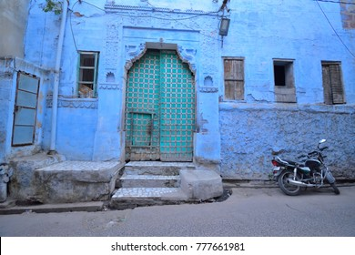 Blue houses in Jodhpur.
