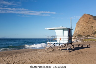 06b74a639738 Blue lifeguard hut on Sycamore Canyon beach in Southern California