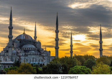 The blue mosque during sunset, Istanbul, Turkey
