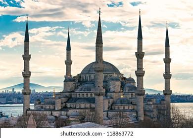 The Blue Mosque, (Sultanahmet Camii), Istanbul, Turkey.