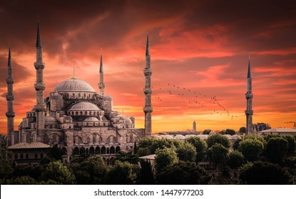 The Blue Mosque (Sultanahmet) at sunset with incredible sky