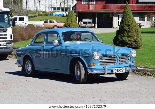 Blue Old Style Volvo Car Kongsvinger Arkistokuva Muokkaa